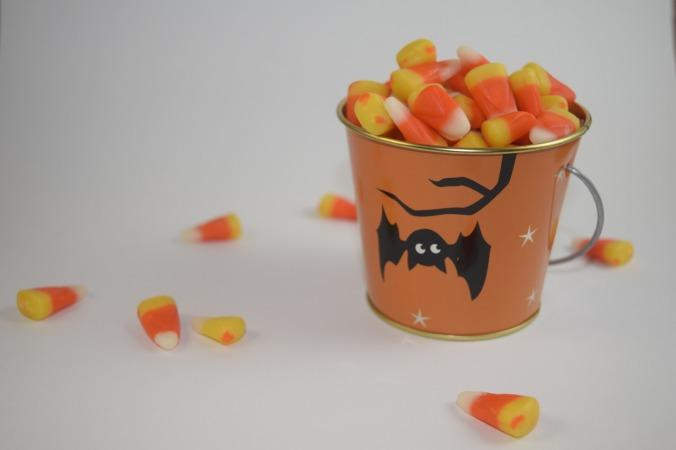 candy-corn-1739404_1920